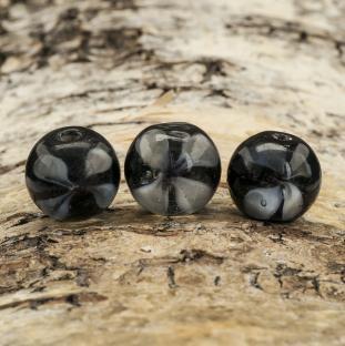 Glaspärla Blomma 12 mm, Svart/Vit (10st)