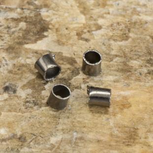 Klämpärla avlång 1,5 mm, Svart (100st)